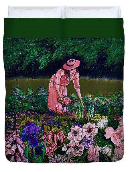 Hillary's Garden Duvet Cover by Linda Simon