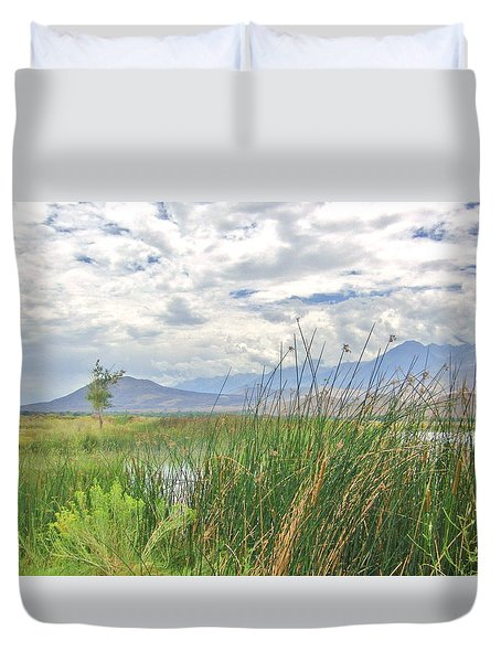 Duvet Cover featuring the photograph Hint Of Water by Marilyn Diaz