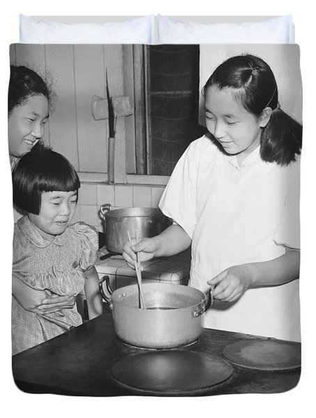 Hirohito's Daughters Cooking Duvet Cover