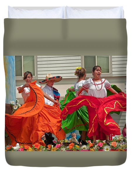 Hispanic Women Dancing In Colorful Skirts Art Prints Duvet Cover