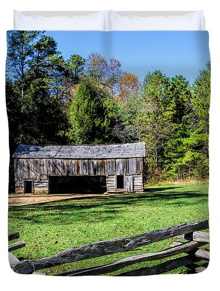 Historical Cantilever Barn At Cades Cove Tennessee Duvet Cover by Kathy Clark