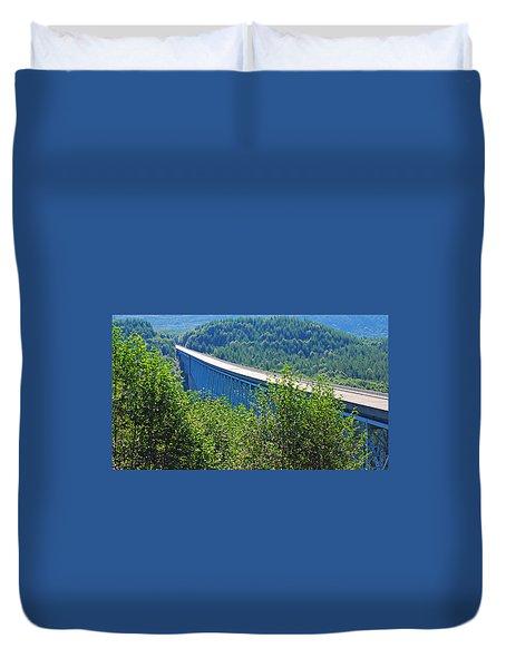 Hoffstadt Creek Bridge To Mount St. Helens Duvet Cover