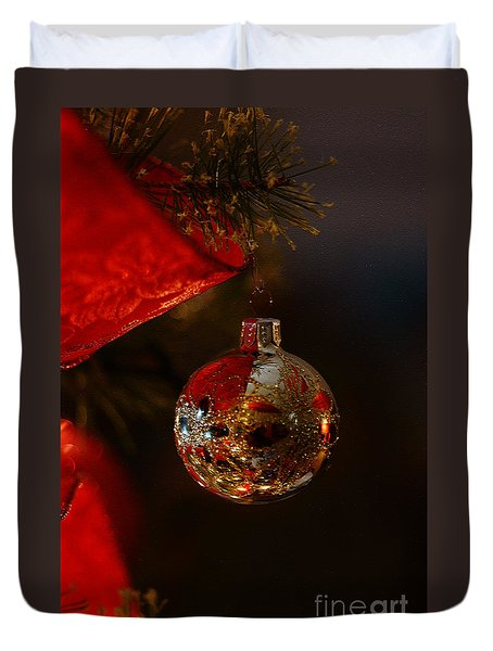 Duvet Cover featuring the photograph Holiday Season by Linda Shafer