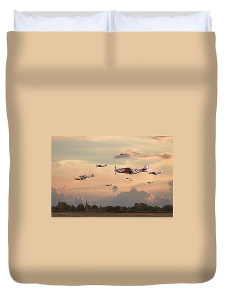 Home To Roost Duvet Cover by Pat Speirs