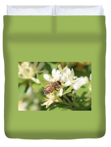 Honeybee And Honeysuckle Duvet Cover by Lucinda VanVleck