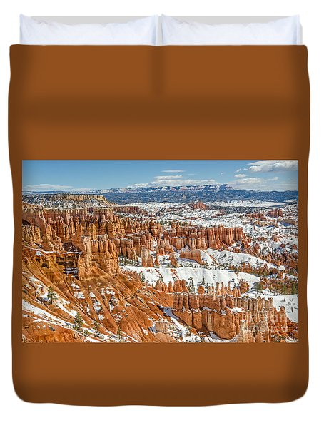 Hoodoos At Sunset Point Duvet Cover