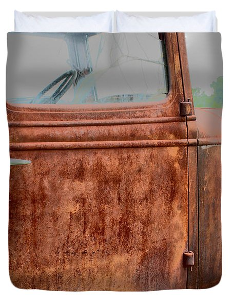 Duvet Cover featuring the photograph Hop In by Lynn Sprowl