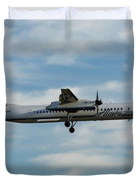 Horizon Airlines Q-400 Approach Duvet Cover