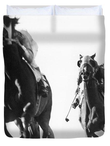 Horse Racing At Tanforan Track Duvet Cover