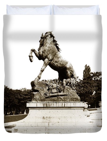 Duvet Cover featuring the photograph Horse Sculpture Trocadero  Paris France 1900 Historical Photos by California Views Mr Pat Hathaway Archives