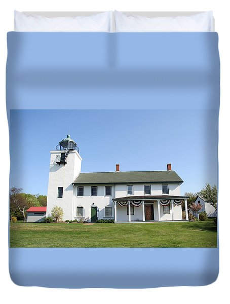 Duvet Cover featuring the photograph Horton's Point  by Karen Silvestri