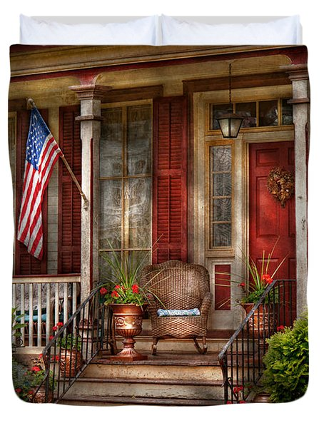 House - Porch - Belvidere Nj - A Classic American Home  Duvet Cover by Mike Savad