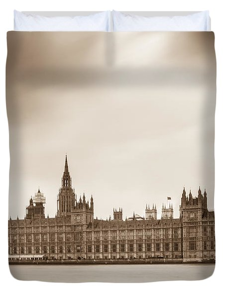 Houses Of Parliament And Elizabeth Tower In London Duvet Cover by Semmick Photo