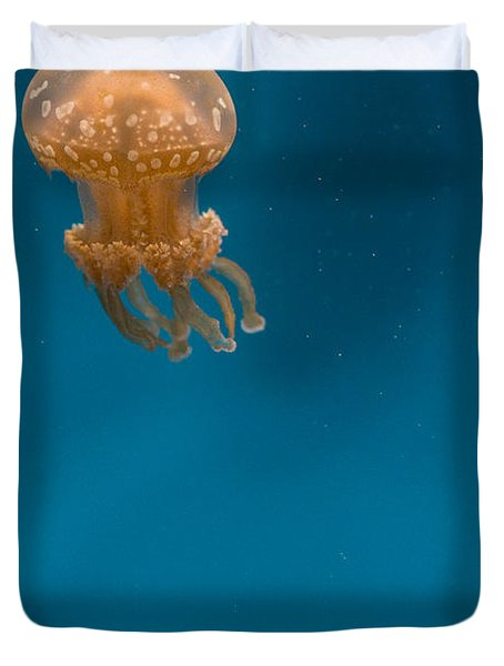 Hovering Spotted Jelly 2 Duvet Cover