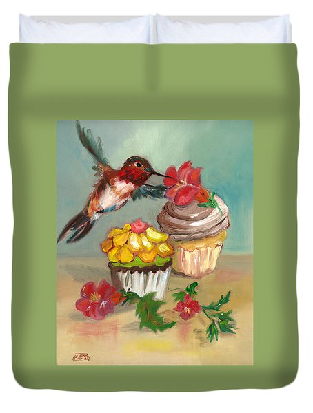 hummingbird with 2 Cupcakes Duvet Cover by Susan Thomas