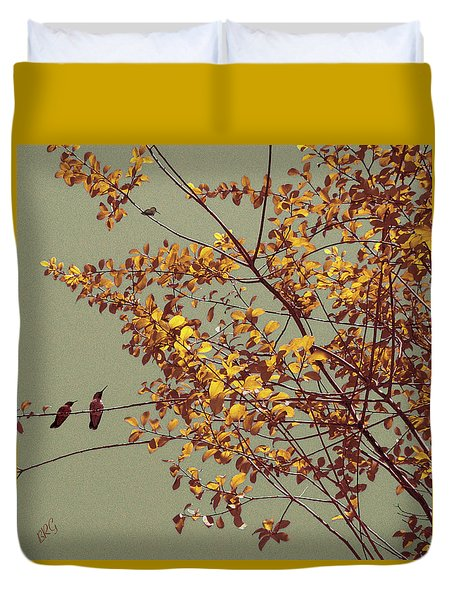 Hummingbirds On Yellow Tree Duvet Cover