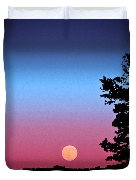Duvet Cover featuring the photograph Hunter's Moonrise In Eastern Arizona by John Haldane