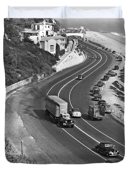 Hwy 101 In Southern California Duvet Cover by Underwood Archives