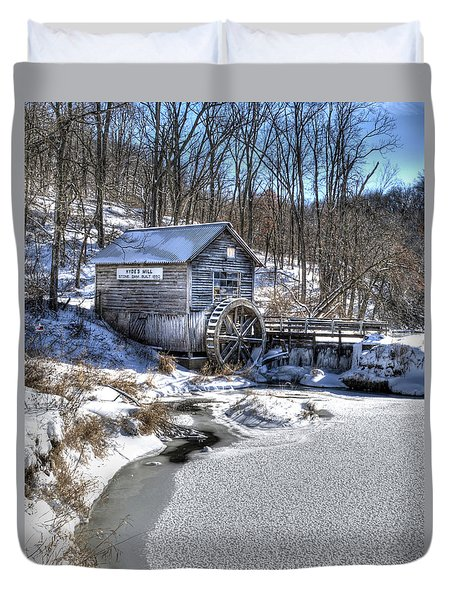 Hyde's  Mill In The Winter Duvet Cover