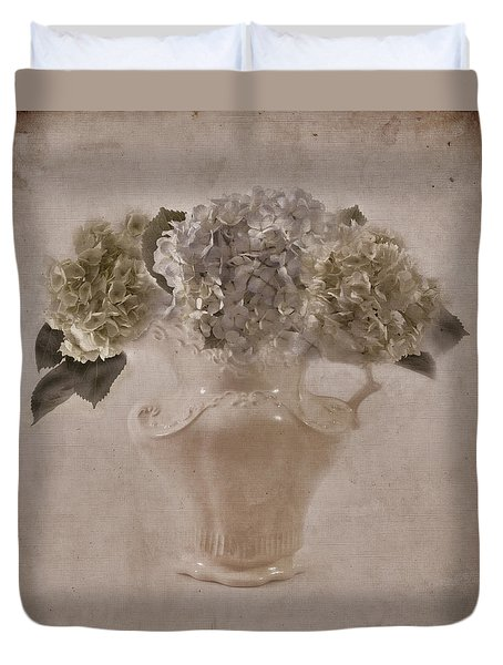 Duvet Cover featuring the photograph Hydrangeas In Cream Pitcher by Sandra Foster