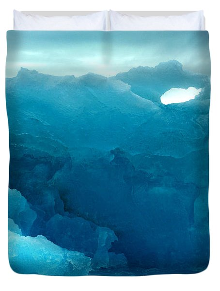 Duvet Cover featuring the photograph Icebergs by Amanda Stadther