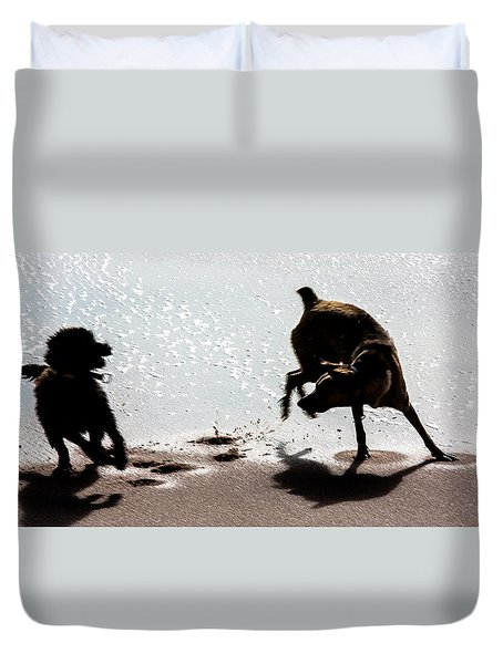 Duvet Cover featuring the photograph If You Need A Friend by Edgar Laureano