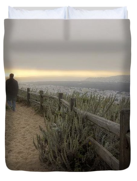 I'm Walking In The Wind Looking At The Sky Duvet Cover