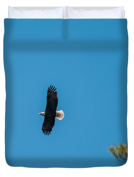 Duvet Cover featuring the photograph In Flight by Brenda Jacobs