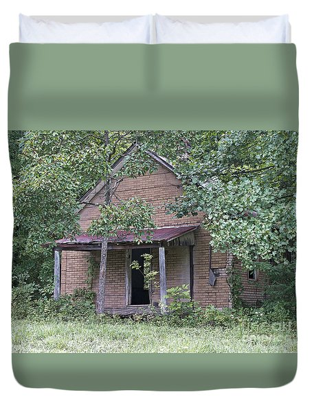 In The Middle Of Nowhere Duvet Cover by Ann Horn