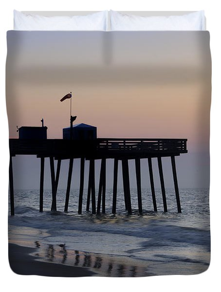 In The Morning On The Beach Ocean City Duvet Cover by Bill Cannon