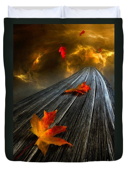 In The Storm Eye  Duvet Cover