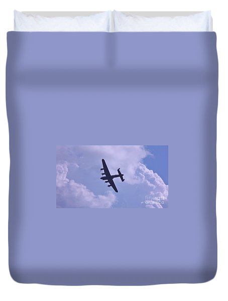Duvet Cover featuring the photograph In To The Clouds by John Williams