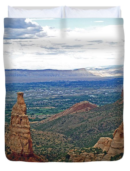 Independence Monument In Colorado National Monument Near Grand Junction-colorado Duvet Cover
