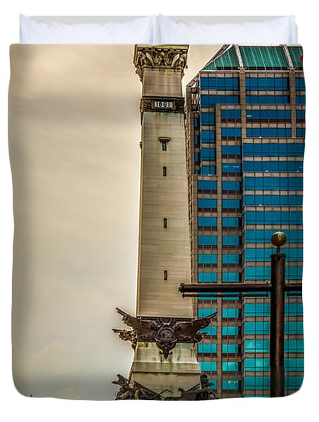 Indiana - Monument Circle With State Capital Building Duvet Cover