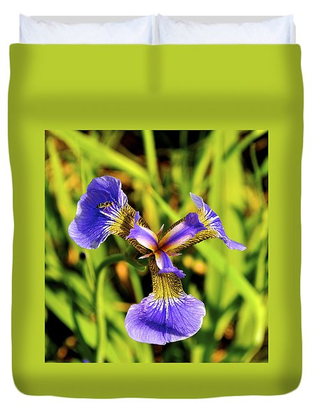 Duvet Cover featuring the photograph Iris by Cathy Mahnke