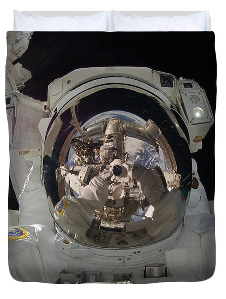Iss Expedition 32 Spacewalk Duvet Cover by Nasa Jsc
