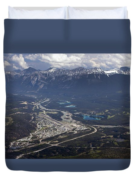 Jasper And The Athabasca River Duvet Cover