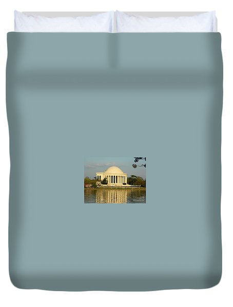 Jefferson Memorial At Sunset Duvet Cover by Emmy Vickers