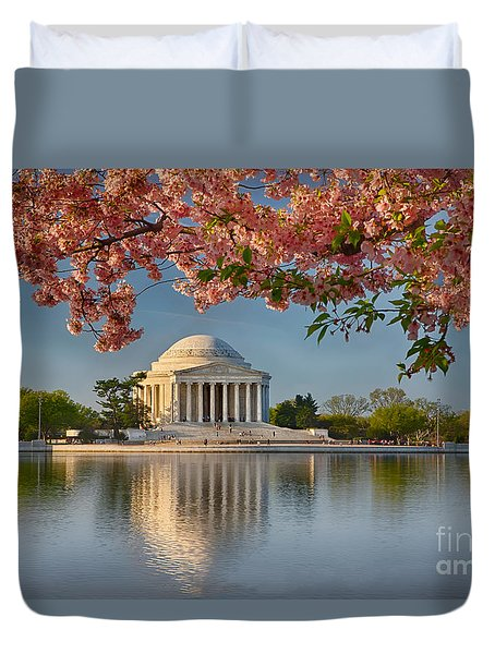 Jefferson Memorial In Spring Duvet Cover