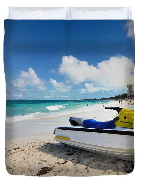 Jet Ski On The Beach At Atlantis Resort Duvet Cover