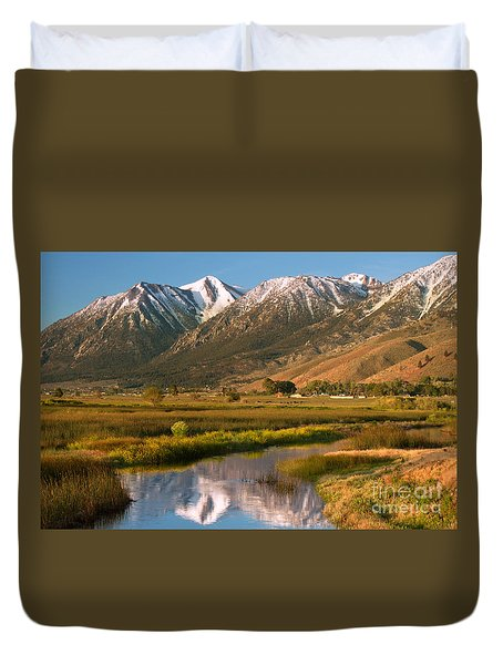 Job's Peak Reflections Duvet Cover