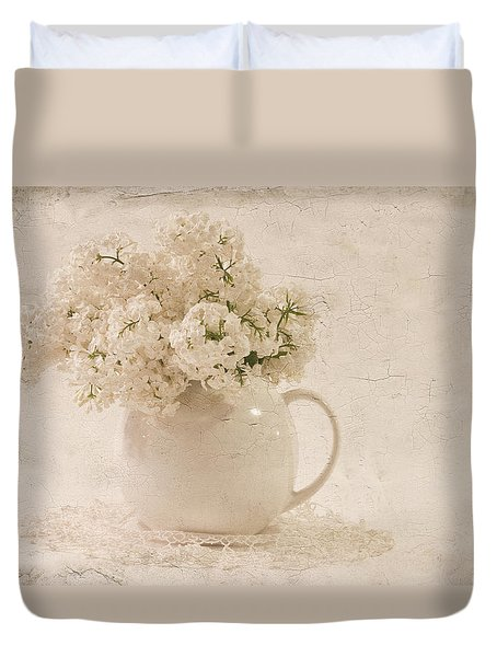 Jug Of White Lilacs Duvet Cover by Sandra Foster
