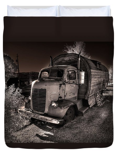 Duvet Cover featuring the photograph Just Another Roadside Attraction by William Fields