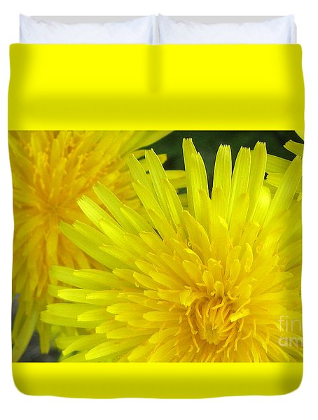 Duvet Cover featuring the photograph Just Dandy by Janice Westerberg