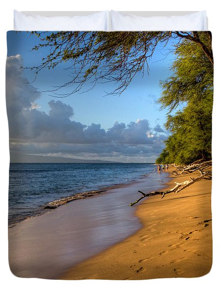 Kaanapali Beach Stroll Duvet Cover by Heidi Smith