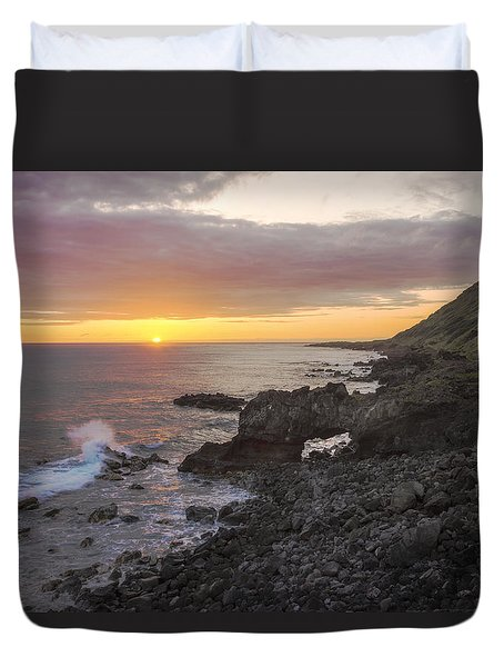 Kaena Point Sea Arch Sunset - Oahu Hawaii Duvet Cover by Brian Harig