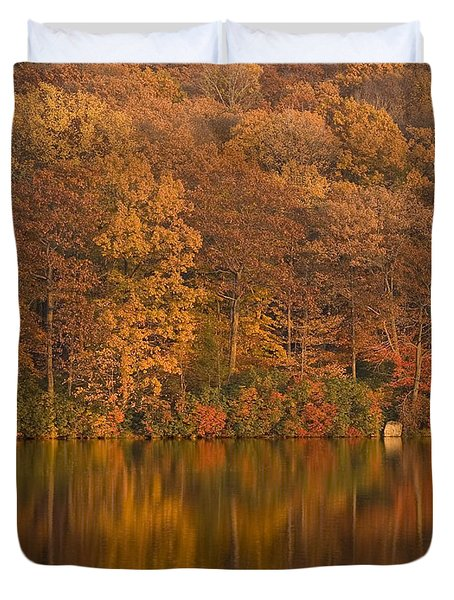 Kanawauke Lake Sundown Duvet Cover by Susan Candelario