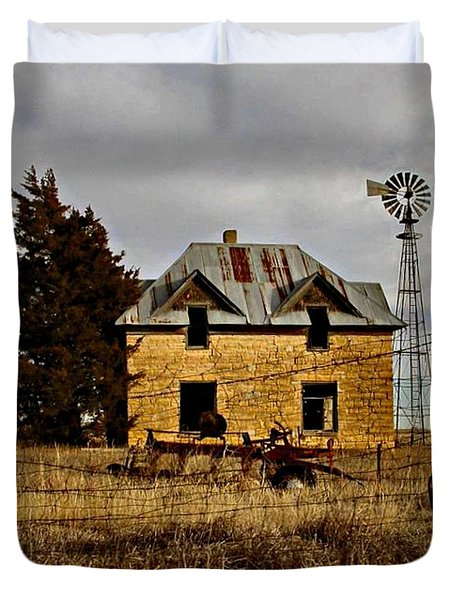 Duvet Cover featuring the photograph Kansas Castle 1 by Lynne Wright