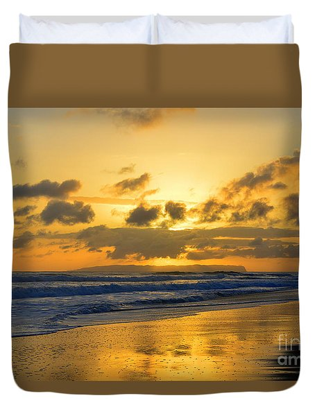 Kauai Sunset With Niihau On The Horizon Duvet Cover by Catherine Sherman