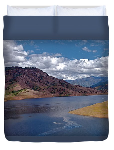 Kaweah Lake Duvet Cover